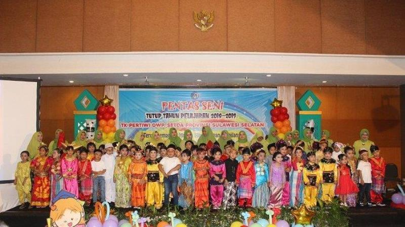 Pupils' Act from TK Pertiwi on Art Stage