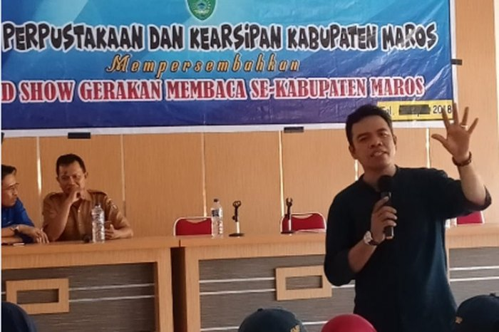 Library Office of Maros Held Reading Movement and School Literacy