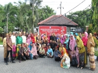 Wearing Traditional Dress to Commemorate Pancasila Day